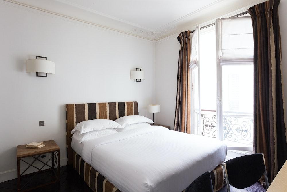 غرفه النوم الرئيسيه