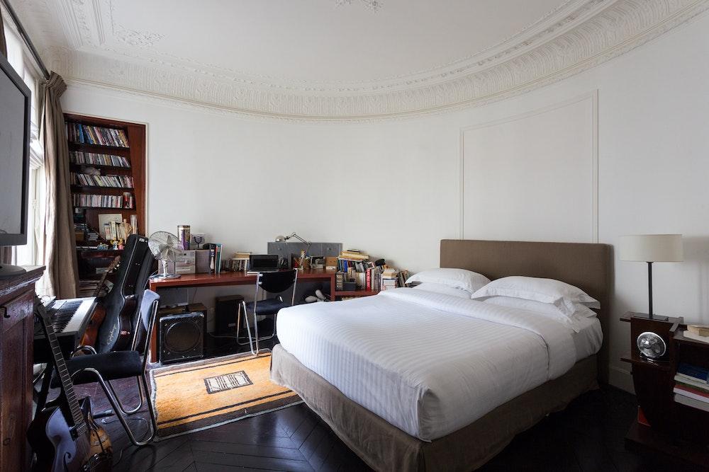 غرفه النوم الثانيه