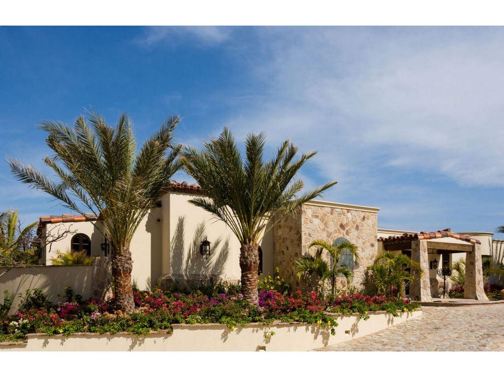 Casa de Karma | Luxury Rental in Pedregal | onefinestay