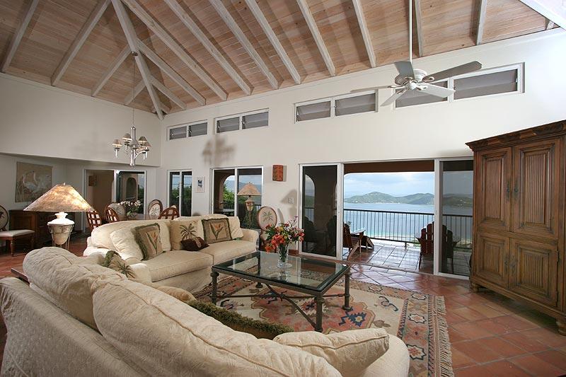 Villa Ventosa | Luxury Rental in Calabash Boom | onefinestay